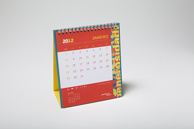 Calendário de mesa e convite de confraternização